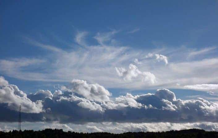 Predicting the weather in the UK Cumulus and cirrostratus